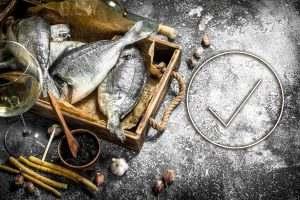 Vorbestellservice Kiste mit Fischen und Haken