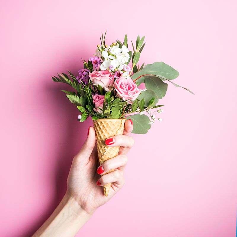 Blumenstrauß in Eistüte zum verschenken