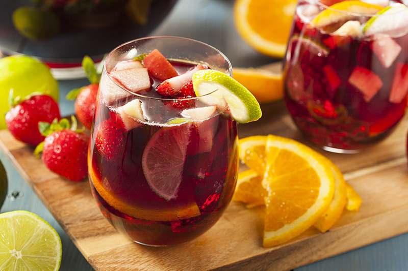 Sangria mit viel Obst