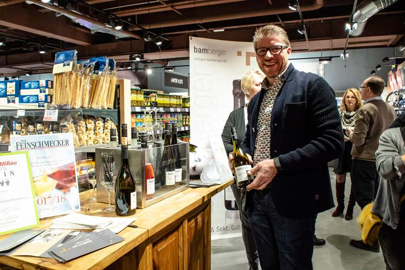 Probierstand des Weinguts Bamberger