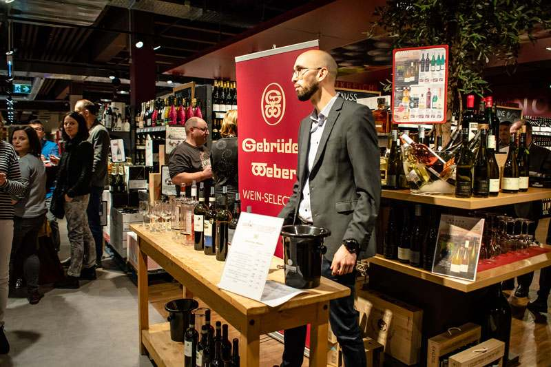 Probierstand gebrüder Weber Weingroßhandel