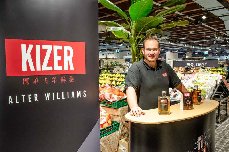 Probierstand Kizer Williams, sehr fruchtiger Williams mit 40 % Alk. vol.