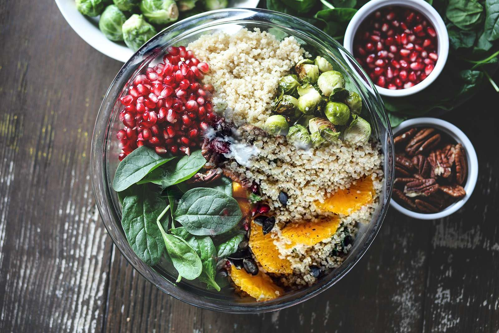 Quinoa Bowl mit Rosenkohl